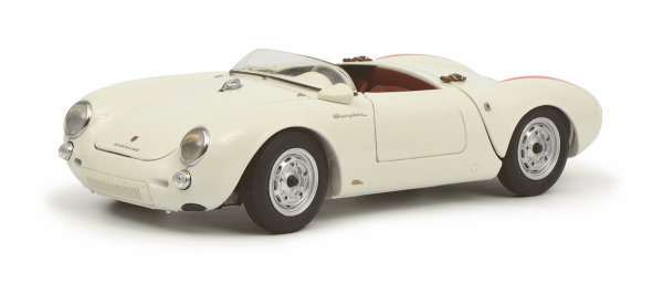 Schuco Classic Porsche 550 A Spyder,weiß 1:18