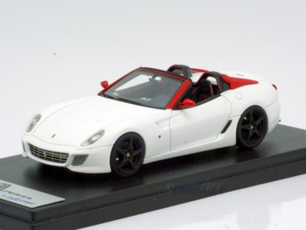 Looksmart Ferrari SA Aperta Matt White/Red Limited Edition 50