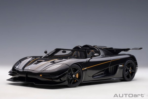 Auto Art Koenigsegg One:1 - CLEAR CARBON WITH GOLD STRIPES 1/18