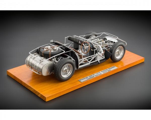 CMC Maserati 300 S 1956 Rolling Chassis auf Holzplatte Limited Edition 3000 Stück 1:18