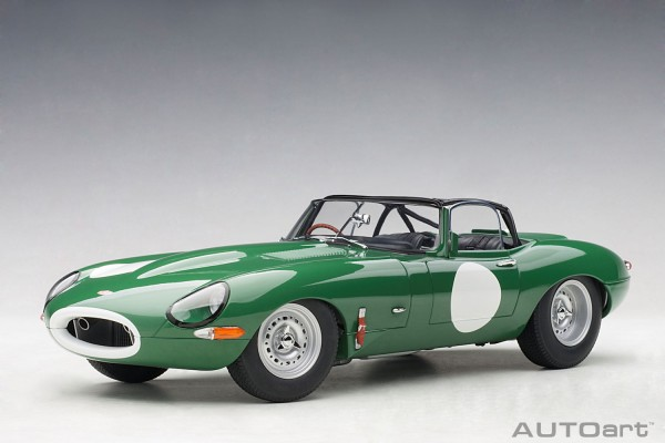 Auto Art JAGUAR LIGHTWEIGHT E-TYPE 2015 (OPALESCENT DARK GREEN) 1/18