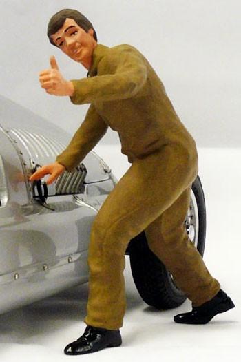 figurenmanufaktur Figur 1:18 Mechaniker Daumen hoch, brauner Overall