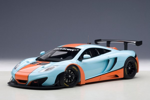 Auto Art McLaren MP4-12C GT3 GULF Design 2011 1:18
