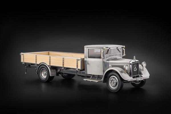 CMC Mercedes-Benz LO 2750 1934-38 mit offenem Pritschenaufbau Klarlack Version