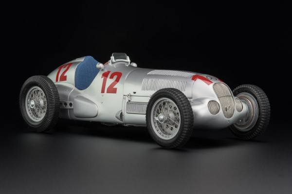 CMC Mercedes-Benz W125 1937 Start-Nr. 12 Rudolf Caracciola Limited Edition 3.000