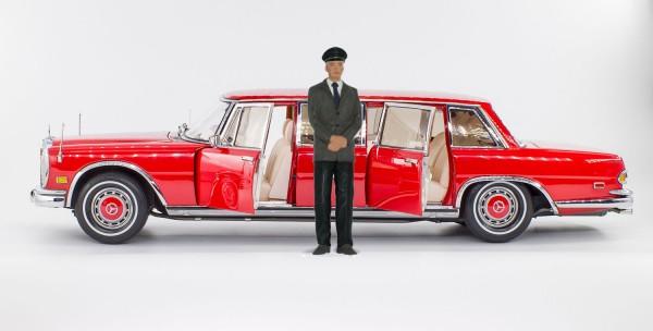 """CMC Mercedes-Benz 600 Pullman (W100) Limousine """"Roter Baron"""", limitierte Auflage 800 mit Chauffeur"""