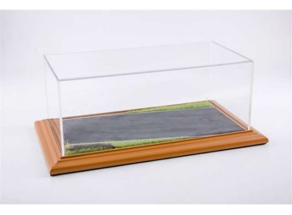 "Diorama Vitrine für 1:18 Modelle Acrylhaube mit ""Country Road"" Bodenplatte cherry Limited Ed. 200"