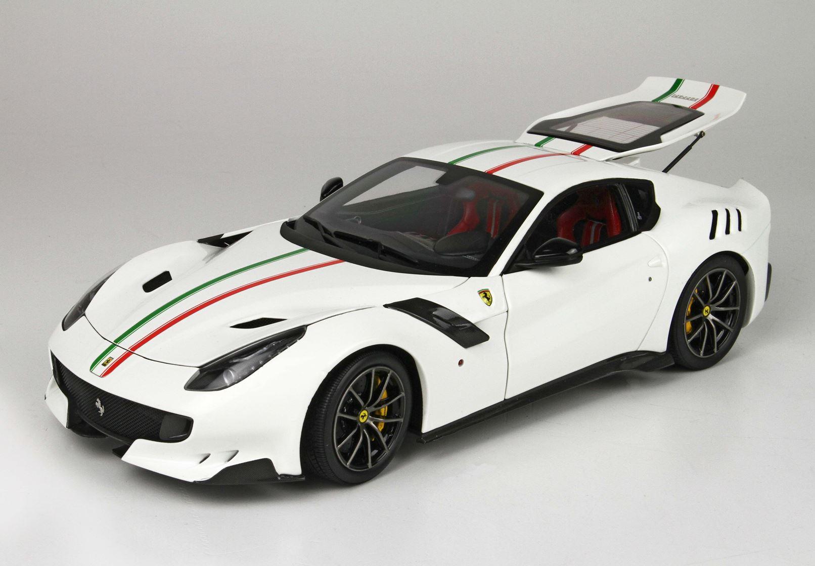 Bbr High End Ferrari F12 Tdf 2016 White Tricolore Hansecars Modelcars Hansecars Exklusive Sammlermodelle