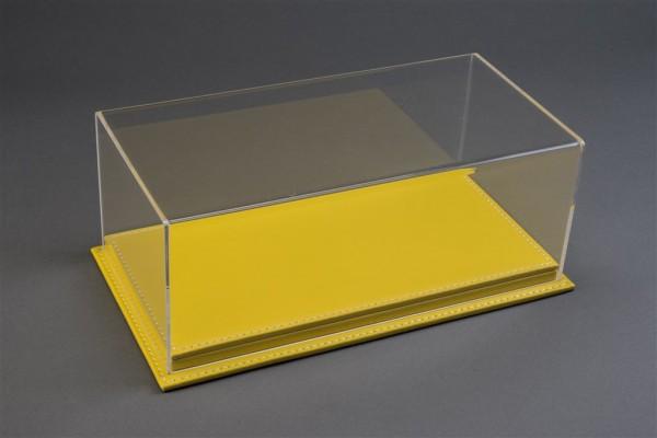 Vitrine Mulhouse für 1:18 Modelle Acrylhaube mit Leder Bodenplatte gelb L325xB165xH125mm