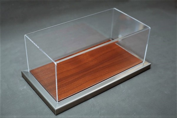Vitrine Goodwood für 1:12 Modelle Acrylhaube mit Holz-Metall Bodenplatte Mahagoni L510xB240xH180mm