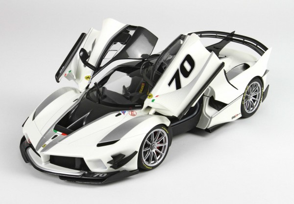 BBR High End Ferrari FXX-K EVO Bianco Italia metal 1:18