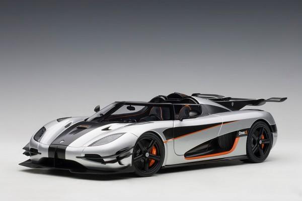 Auto Art Koenigsegg One:1 - grey/carbon/orange accents 1/18