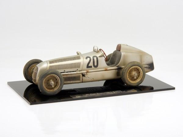 """CMC Mercedes-Benz W25 #20 Eifel Race von Brauchitsch """"Dirty Hero 20 Jahre CMC"""" Sitz grau Limited Edi"""