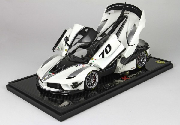 BBR Ferrari FXXK-EVO DIE CAST Bianco Italia Metal Carbon Base 1/18 Limited Edition 70