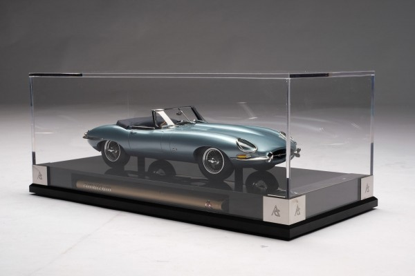 Amalgam Jaguar E-Type Roadster 1961 1:18