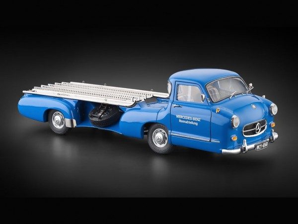 "CMC Mercedes-Benz ""The Blue Wonder"" Racing Car Transporter 1954-55 überarbeitete Version"