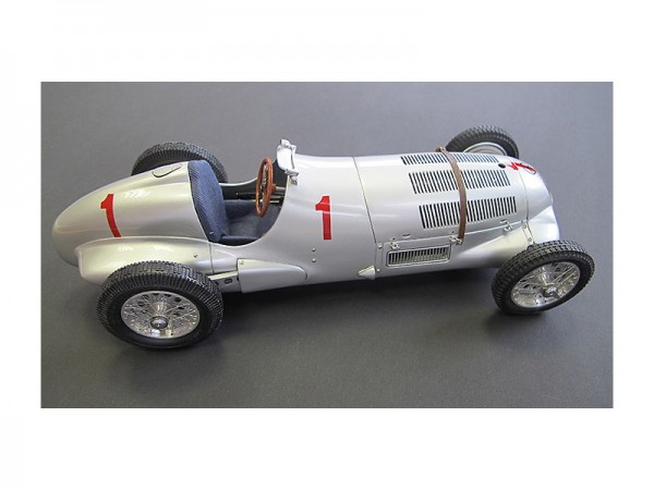 CMC Mercedes- Benz W125 GP Donington 1937 #1 Caracciola Limited Edition 1000 Stück 1:18