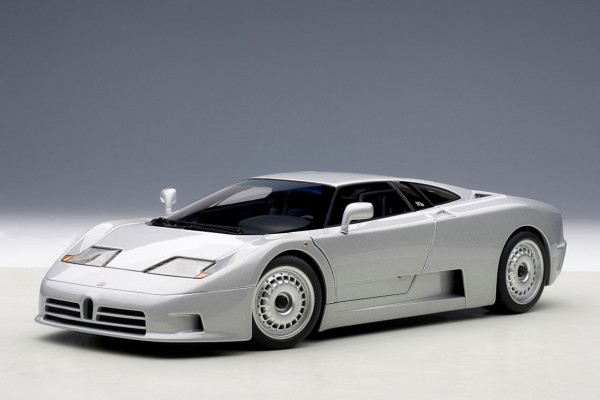 Auto Art Bugatti EB110 GT 1991 silber 1:18