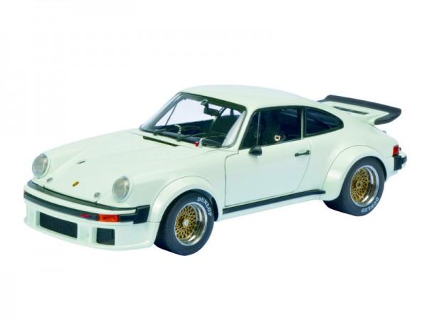 Schuco Classic Porsche 934 RSR weiss 1:18