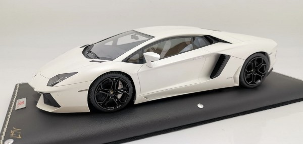 MR Models Lamborghini Aventador LP 700-4 CANOPUS WHITE