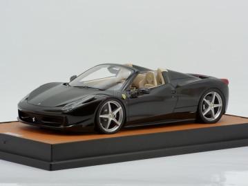 MR Models Ferrari 458 Spider 1/18 nero stellato special tan leather base
