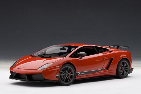 Auto Art Lamborghini Gallardo LP570-4 SUPERLEGGERA rot (ROSSO ANDROMEDA) 1:18