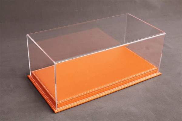 Vitrine Mulhouse für 1:12 Modelle Acrylhaube mit Leder Bodenplatte orange L510xB240xH180mm